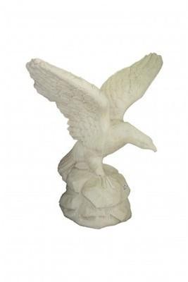 Aigle géant en pierre reconstituée