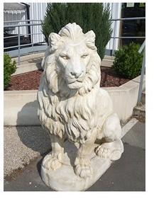Lion en statue de pierre