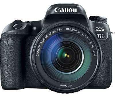 Canon EOS 77D avec EF-S 18-135mm