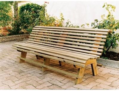 Banc de jardin en bois (2