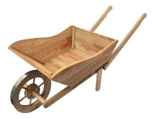 Brouette de jardin en bois