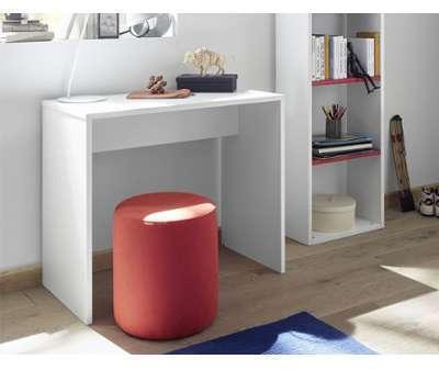 Bureau design blanc avec étagères