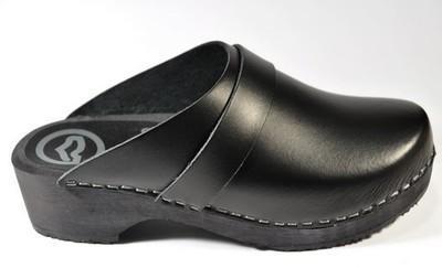 Sabots Scanddy cuir noir semelle