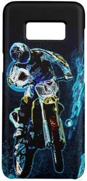 Motocross faisant du vélo