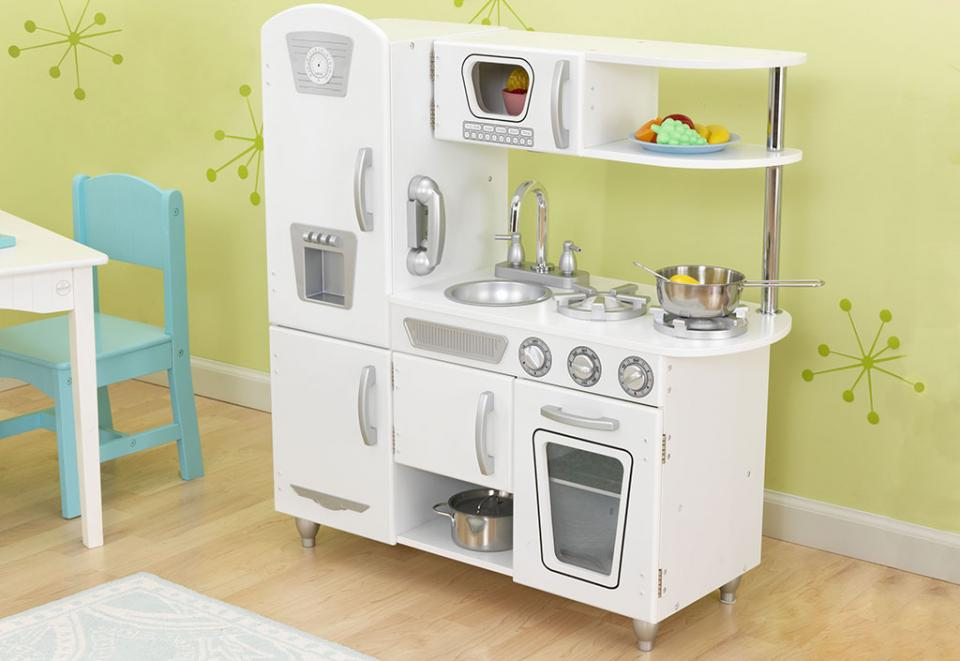 Kidkraft cmaison de poupe country estate for Cuisine enfant blanche