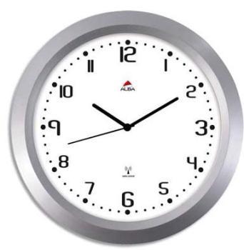 Cette horloge radio-pilotée