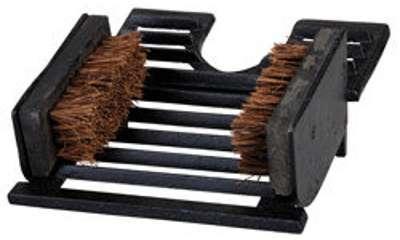 Tire bottes avec brosse fonte