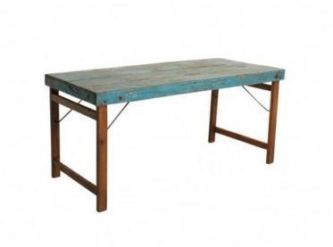 Table bleue vintage pliante