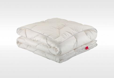 bultex couette 220 x 240 cm hypoallergenique 400. Black Bedroom Furniture Sets. Home Design Ideas