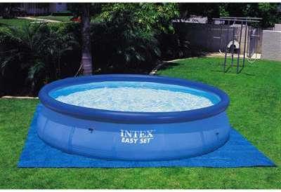 Intex c spa gonflable octogonal 6 places for Tapis solaire pour piscine