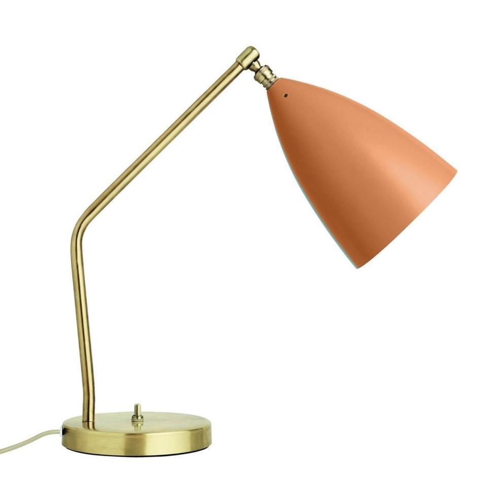 Catgorie lampe de salon marque gubi page 1 du guide et - Table pour lampe de salon ...