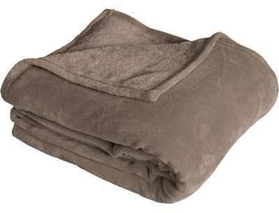 tapis doux en polyester uni shaggy vert pastel bella. Black Bedroom Furniture Sets. Home Design Ideas